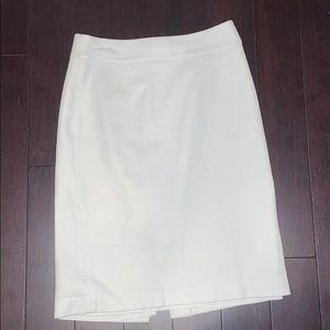 Banana Republic lined white pencil skirt, Size 0